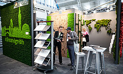 Evergreen Moos Premium Sonderform, Mooswand Moosskyline London, Surface Design Show 2019, Freund GmbH Messestand
