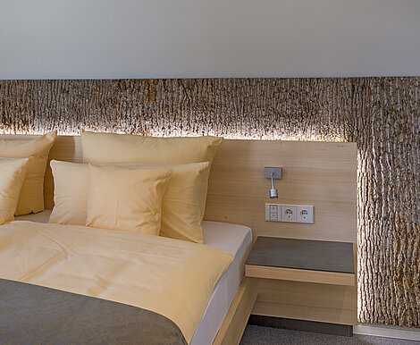 Hotel design with wood details, Freund GmbH Bark House® poplar bark, shingles, Seehotel Wiesler, Titisee-Neustadt