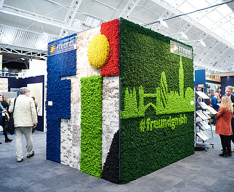Evergreen Moss Premium custom design, moss wall with London moss skyline, Surface Design Show 2019, Freund GmbH exhibition stand