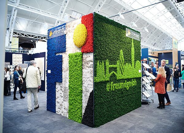 Evergreen Moss Premium special shape, Moss Wall Moss Skyline London, Surface Design Show 2019, Freund GmbH exhibition stand