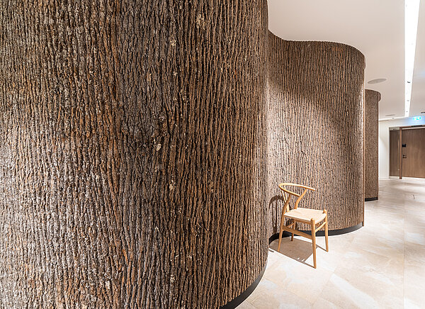 Solid, genuine Bark House® poplar bark, around rounding, as part of the health concept of Anima Mentis, Vienna, by Freund GmbH