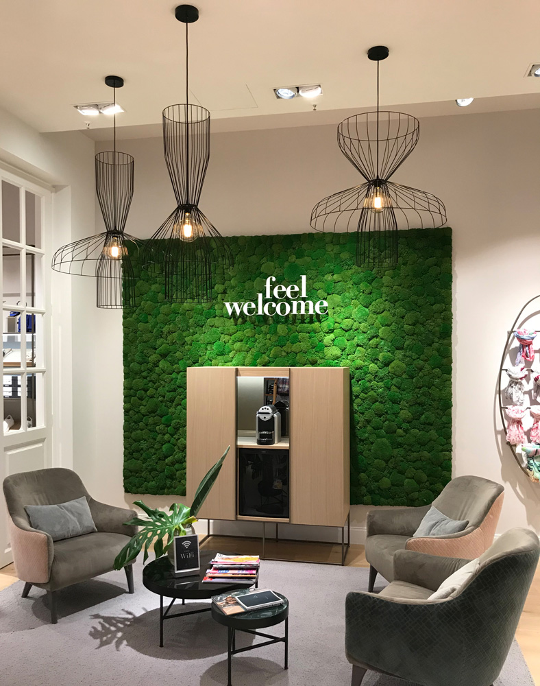 Moss wall from Freund GmbH, Greenhill preserved cushion moss, Brax Store Bielefeld, vertical greening