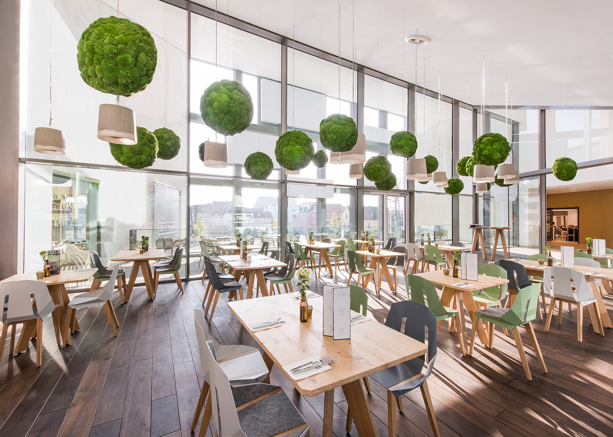 Functionally acoustic moss spheres with Greenhill Premium moss by Freund, Weissglut restaurant